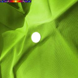 Toile Vert Lime pour parasol octogonal 300 cm : détail du perçage central