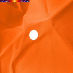Toile Orange Capucine pour parasol octogonal 300 cm : détail du perçage central